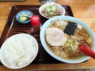 『菊屋』モツ煮がうまい北成島町の手打ちラーメン店