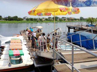 7月10日より花ハス遊覧船が運行開始